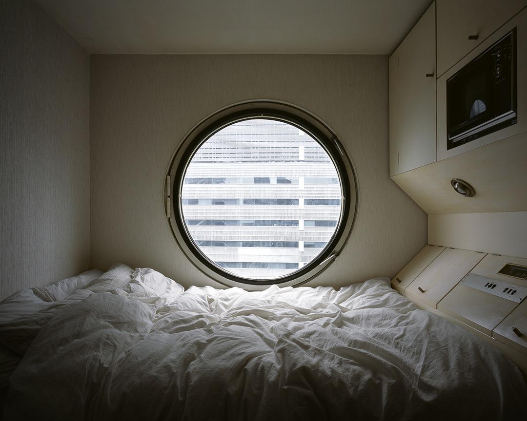 Inside Kisho Kurokawa's Capsule Apartment Building ...